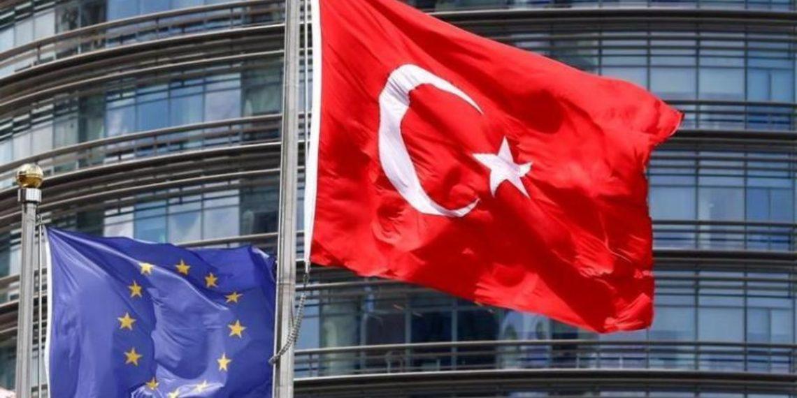 ΕΕ προς Ερντογάν: Η έκκληση για μποϊκοτάζ γαλλικών προϊόντων απομακρύνει περισσότερο την Τουρκία από την Ευρώπη