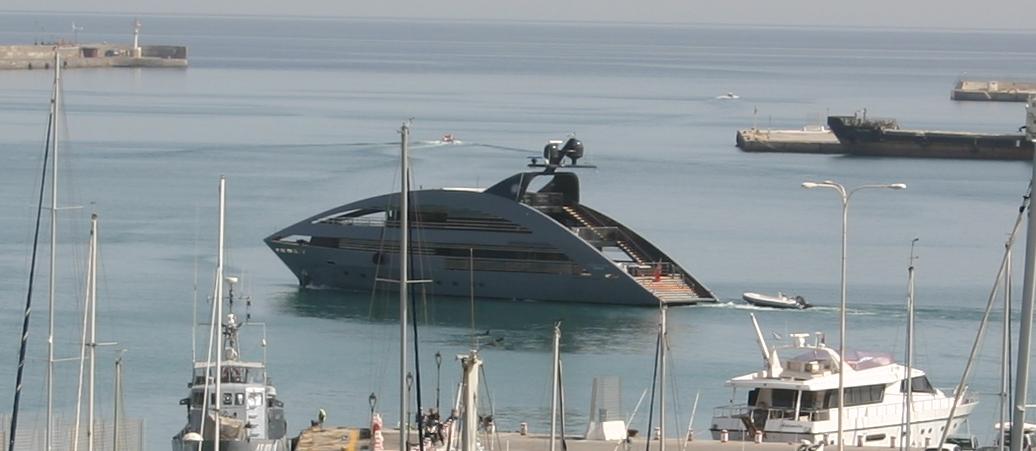 Δείτε το εντυπωσιακό yacht OCEAN PEARL στο λιμάνι του Ηρακλείου