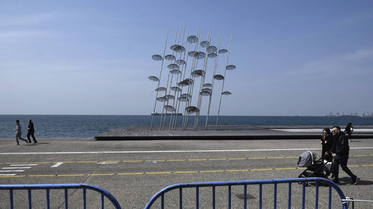Κορωνοϊός: Στο «κόκκινο» η ανησυχία – «Όχι» σε lockdown στη Θεσσαλονίκη