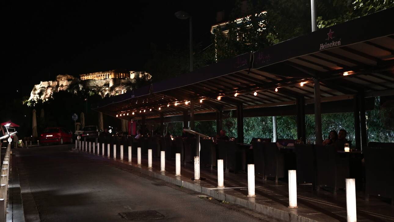 Κορωνοϊός: Μπαράζ αρνητικών ρεκόρ οδηγούν σε μίνι lockdown – Ποια μέτρα ανακοινώνει ο Μητσοτάκης