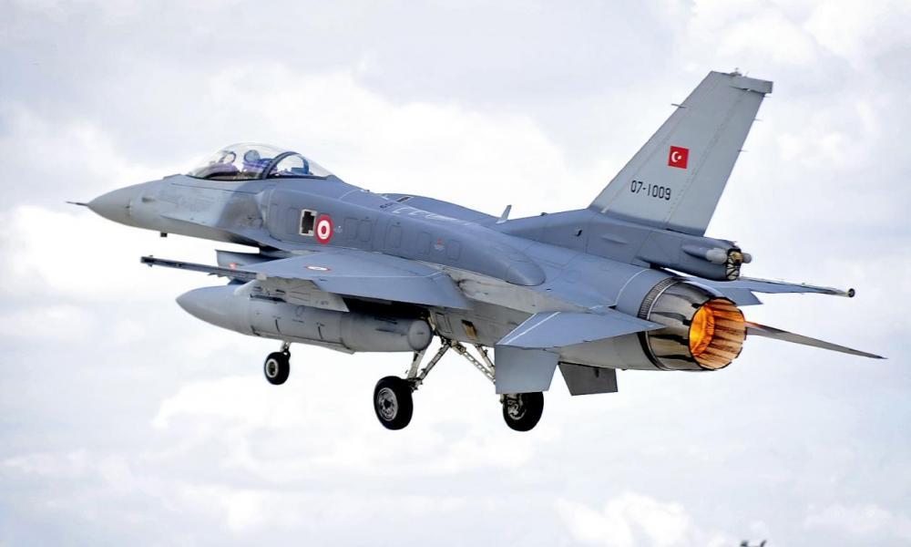 Σε αποσύνθεση οι Τουρκικές ΕΔ: Στην φυλακή 16 εν ενεργεία πιλότοι μαχητικών F-16