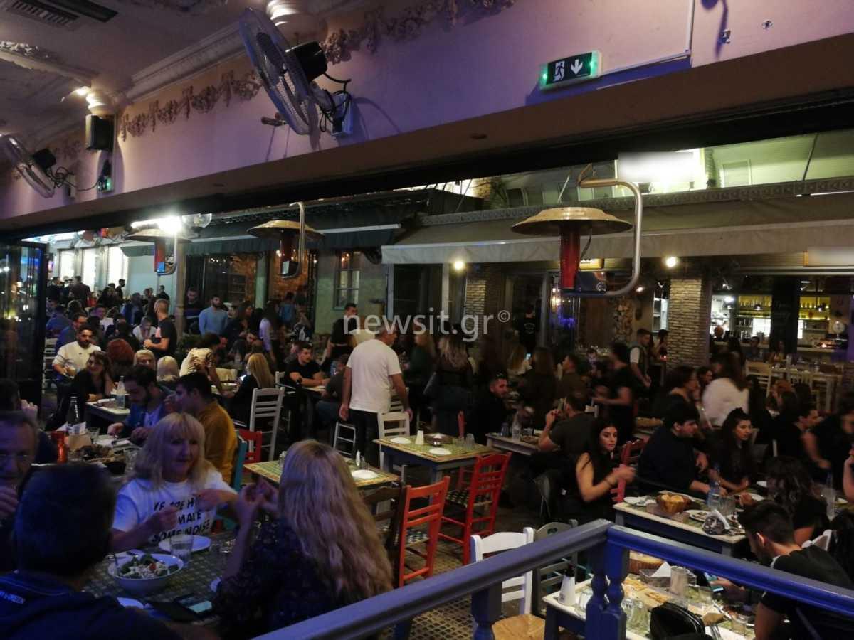 Κορονοϊός: Ποτό, διασκέδαση και… συνωστισμός στο Αιγάλεω – Νέες ανησυχητικές εικόνες