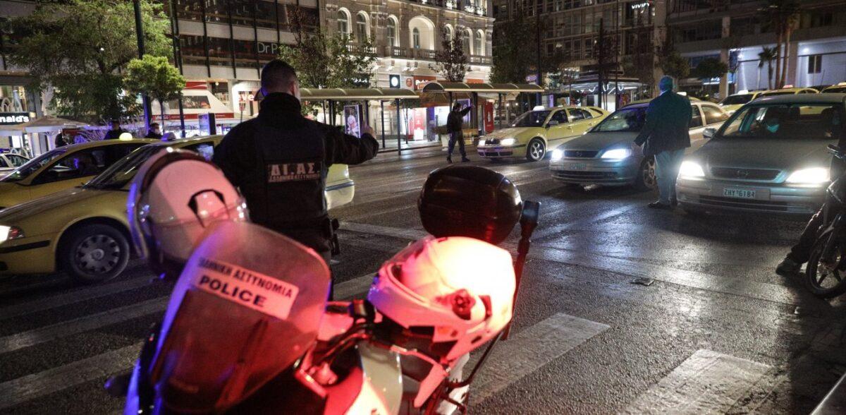 Κορονοϊός: Αλαλούμ με τη χρήση μάσκας στο αυτοκίνητο – Πότε και πού είναι υποχρεωτική