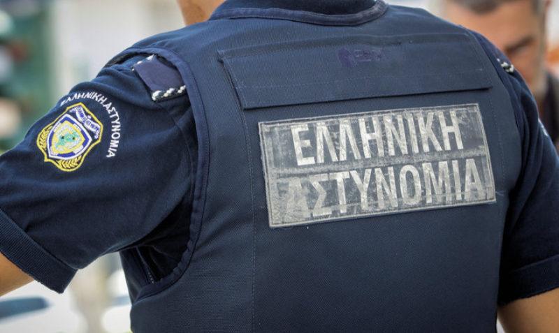 Απατεώνες το «έπαιξαν» αστυνομικοί και πήραν χρυσό και κοσμήματα €60.000 από σπίτι στην Κηφισιά