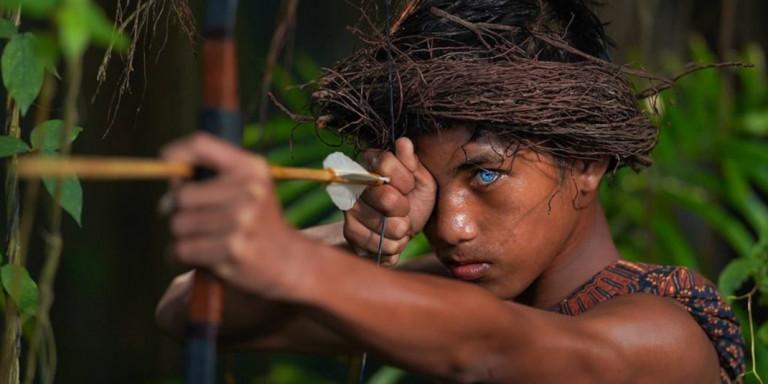 Η πανέμορφη φυλή της Ινδονησίας με τα μπλε μάτια
