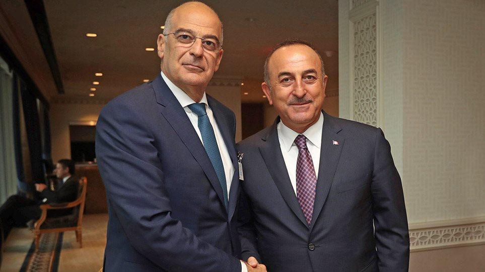 Τουρκικά ΜΜΕ: Σενάρια για συνάντηση Δένδια με Τσαβούσογλου