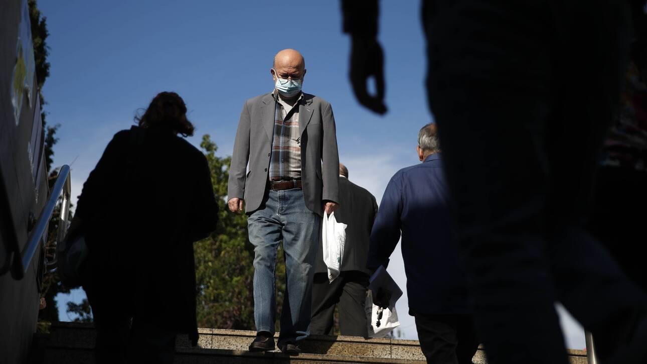 Κορωνοϊός: Ρεκόρ… ανησυχίας μετά τον υπερδιπλασιασμό των κρουσμάτων σε μία εβδομάδα