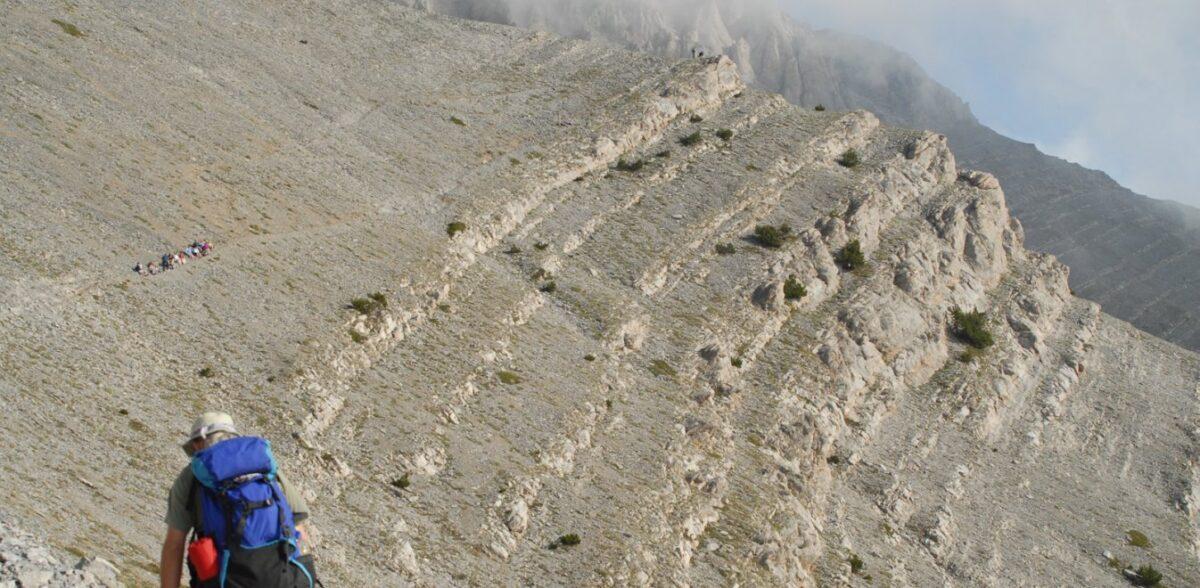Θρίλερ στον Ολυμπο: Επιχείρηση της ΕΜΑΚ για ορειβάτη χωρίς τις αισθήσεις του