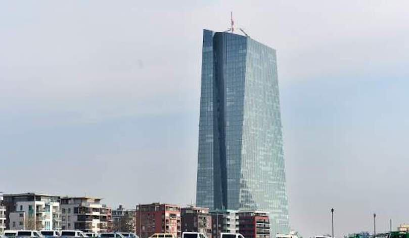 Στα 12,9 δισ. ευρώ η αξία των ελληνικών ομολόγων που έχει αγοράσει η ΕΚΤ