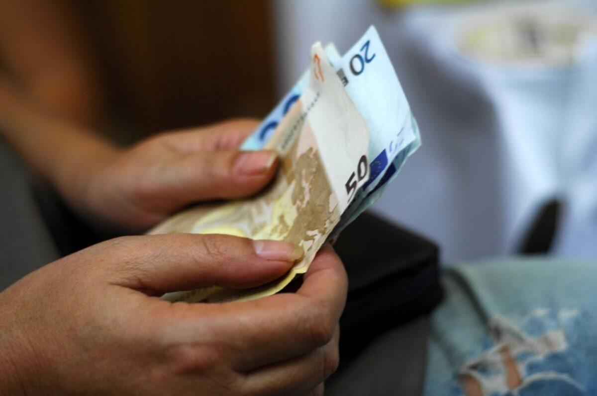 Πλήρης επιβεβαίωση «Ε.Τ.»: Επιπλέον 300 εκατ. ευρώ για επιδόματα – Αναδρομικά και αυξήσεις σε 7.444 συντάξεις χηρείας
