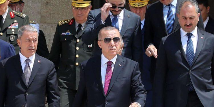 Ο Ερντογάν βαφτίζει «υποστήριξη των καταπιεσμένων» τις επιθέσεις και τις προκλήσεις της Τουρκίας