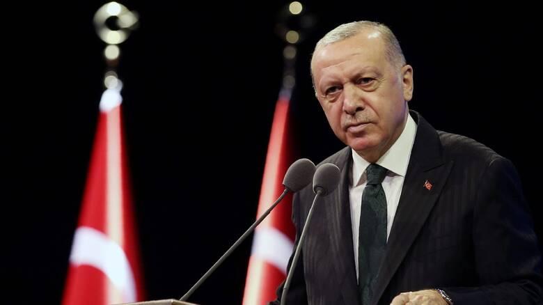 Ερντογάν: Έκανε δεκτή την παραίτηση του υπουργού Οικονομικών και γαμπρού του