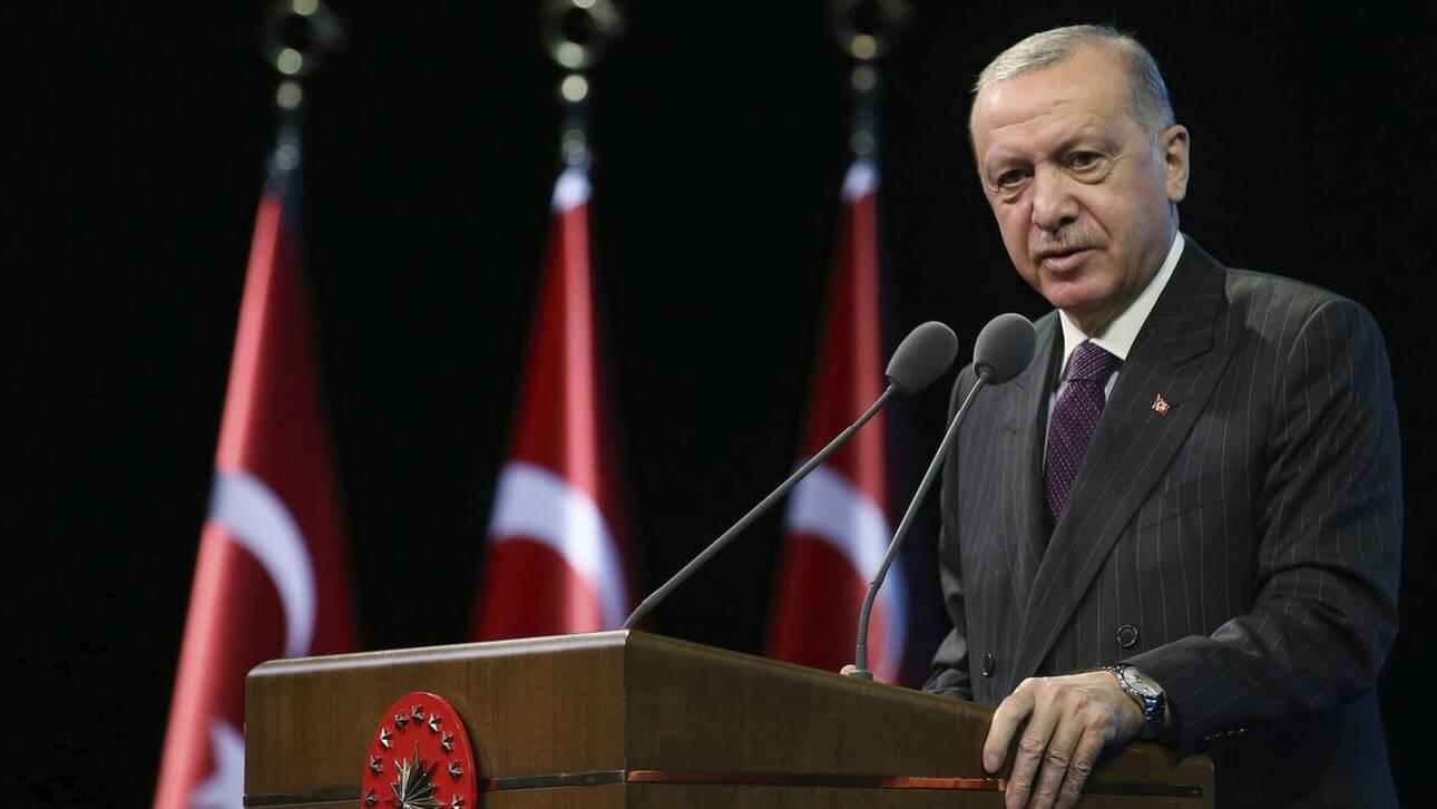 Manager Magazin: Το Βερολίνο επιβεβαιώνει δεσμούς Ερντογάν με ισλαμιστές
