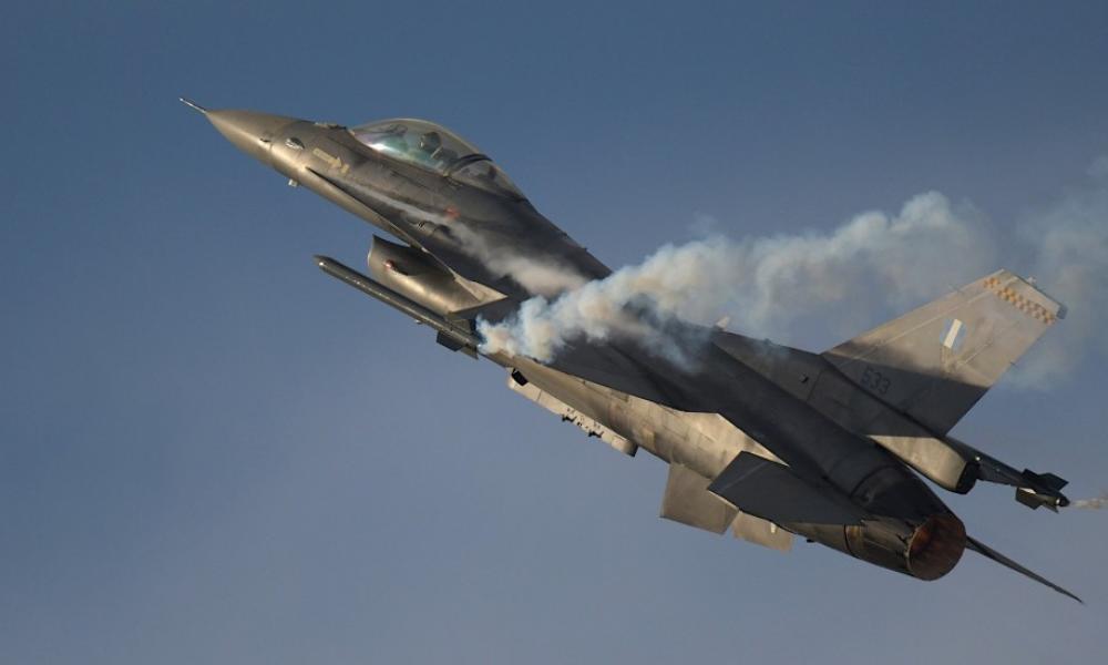 """Σε """"πολεμικό περιβάλλον"""" εκπαιδεύτηκαν τα Ελληνικά F-16 στην Γαλλία"""