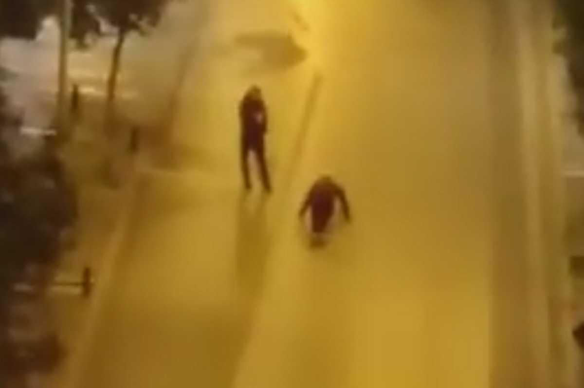 Κορονοϊός: Το αμίμητο στην πρώτη νύχτα της απαγόρευσης κυκλοφορίας! Ζούμαρε και έπιασε αυτές τις εικόνες (Βίντεο)