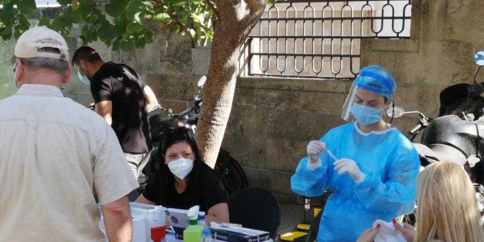 Κορωνοϊός: 715 τα νέα κρούσματα στην Ελλάδα – 7 νεκροί και 95 διασωληνωμένοι
