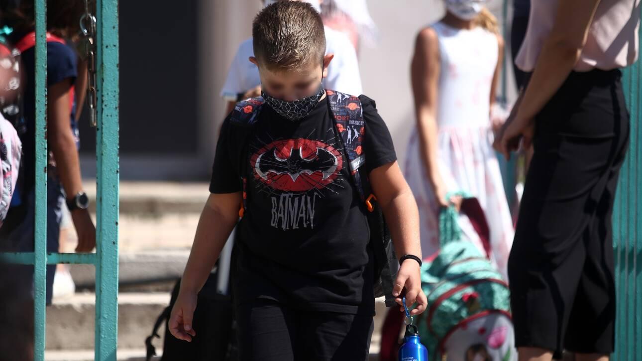 Κορωνοϊός: Τι ισχύει για σχολεία, λιανεμπόριο, κομμωτήρια