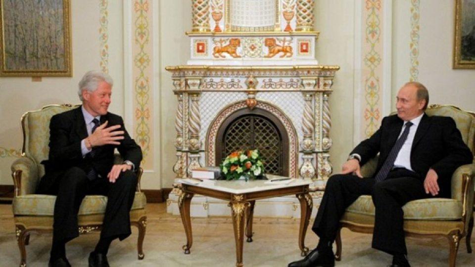 Στον αέρα η απόρρητη συνομιλία Πούτιν-Κλίντον μετά τη βύθιση του «Κουρσκ»