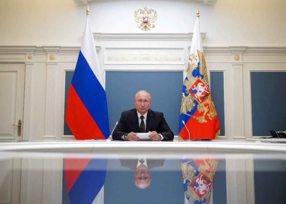 Κορωνοϊός: Εγκρίθηκε και δεύτερο εμβόλιο με το όνομα «EpiVacKorona» από τη Ρωσία