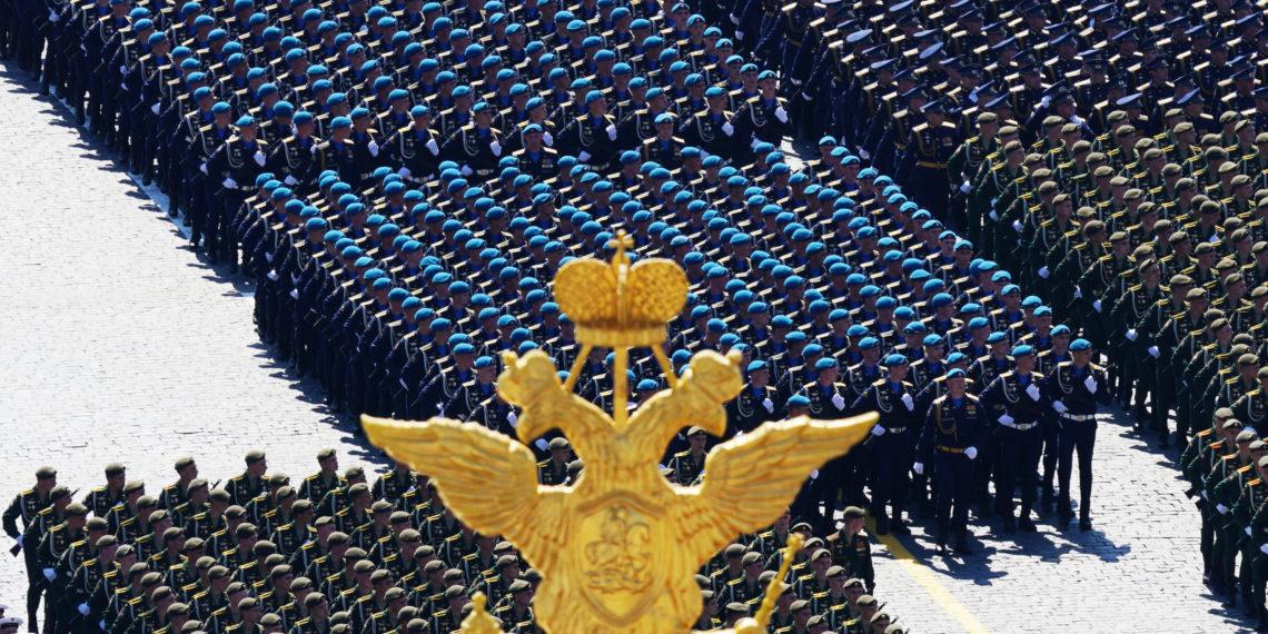Κινδυνεύει με περικοπές ο ρωσικός στρατός; Τι απαντά το Κρεμλίνο