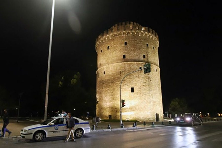 Θεσσαλονίκη: Εικόνες από την πρώτη νύχτα απαγόρευσης κυκλοφορίας