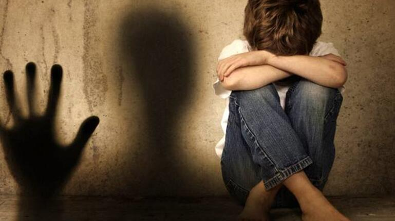 """Ο 10χρονος """"γίγαντας"""" λύγισε από τα χτυπήματα του πατέρα του"""