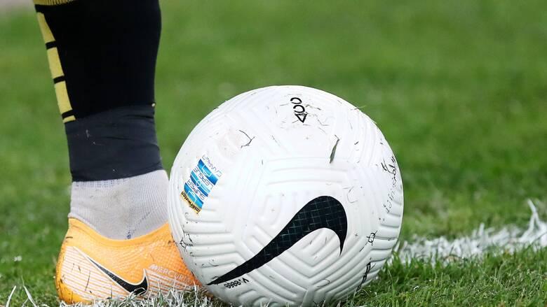 Κορωνοϊός – Χαρδαλιάς: Γιατί ο πρωθυπουργός αποφάσισε ποδοσφαιρικούς αγώνες χωρίς φιλάθλους