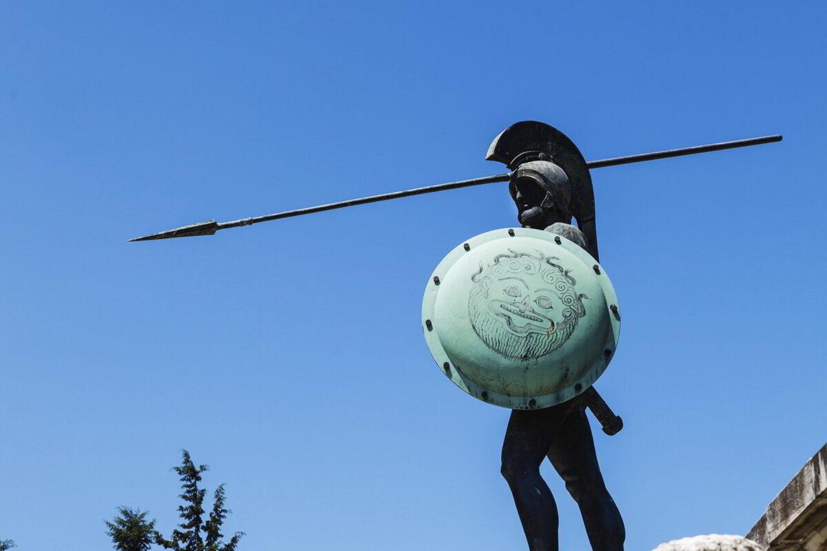 Η ανοησία στο μεγαλείο της: Άγνωστοι βεβήλωσαν το μνημείο του Λεωνίδα στις Θερμοπύλες [εικόνες]