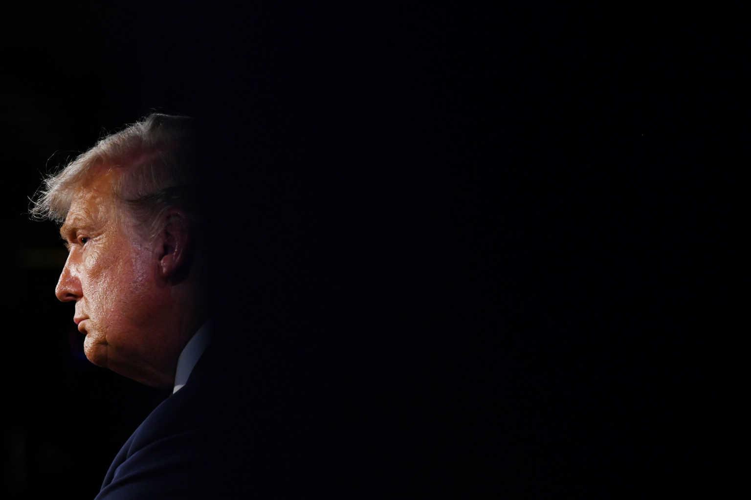 «Ο Τραμπ παίρνει ένα πειραματικό κοκτέιλ αντισωμάτων και αισθάνεται κόπωση»