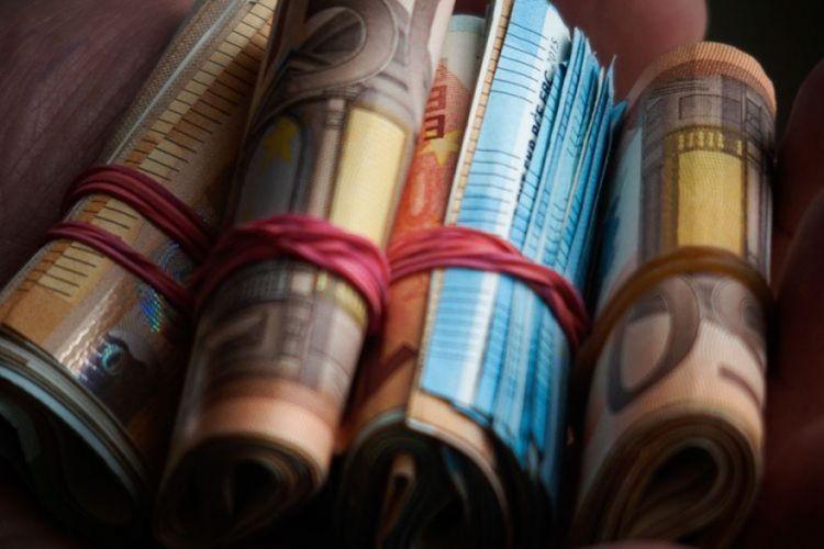 Ρόδος: Το μεσημέρι που έγινε πλουσιότερη κατά 200.000 ευρώ! Προσπαθούσε να πιστέψει στα μάτια της