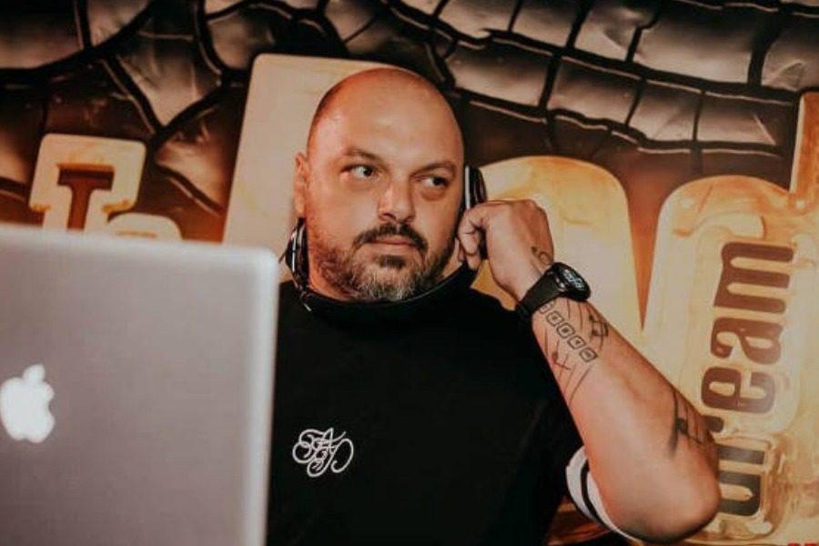 Έχασε τη ζωή του από κορωνοϊό ο 39χρονος Έλληνας Dj Decibel
