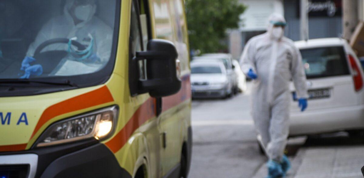 Κορωνοϊός: Επιμένει η πίεση στο ΕΣΥ- Ποια τα σενάρια για την άρση του lockdown