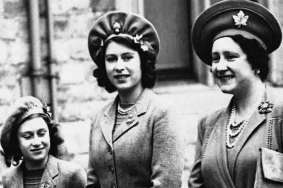 Οι «κρυμμένες» ξαδέλφες της βασίλισσας Ελισάβετ και η τραγική ζωή τους