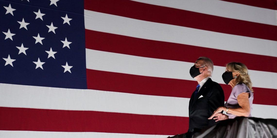 Αμερικανικές εκλογές: Βάζει το κοστούμι του Προέδρου και ετοιμάζει διάγγελμα ο Μπάιντεν