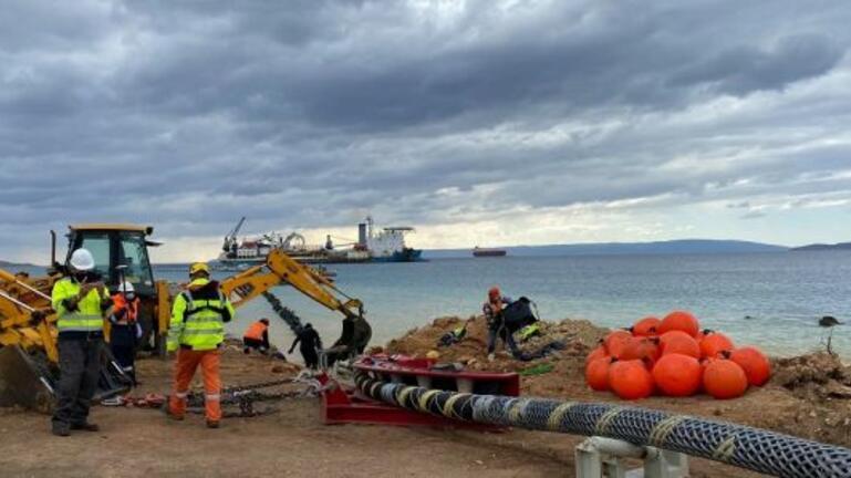 """""""Μικρή"""" διασύνδεση Κρήτης: Ολοκληρώθηκε η πόντιση του καλωδίου"""