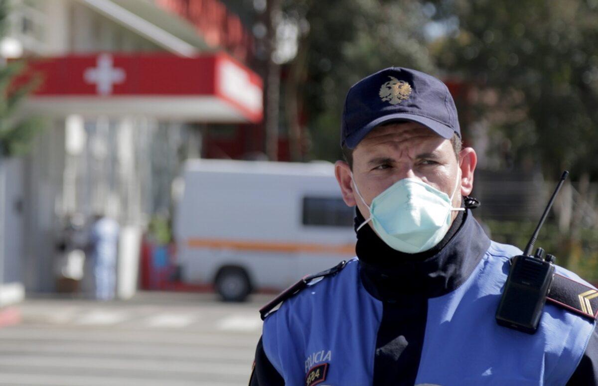 Βουτιές θανάτου από μπαλκόνια νοσοκομείων στην Αλβανία για να γλιτώσουν από τον κορονοϊό