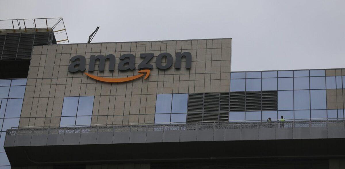 Black Friday: Βαρουφάκης και ΜέΡα25 καλούν σε μποϊκοτάζ της Amazon