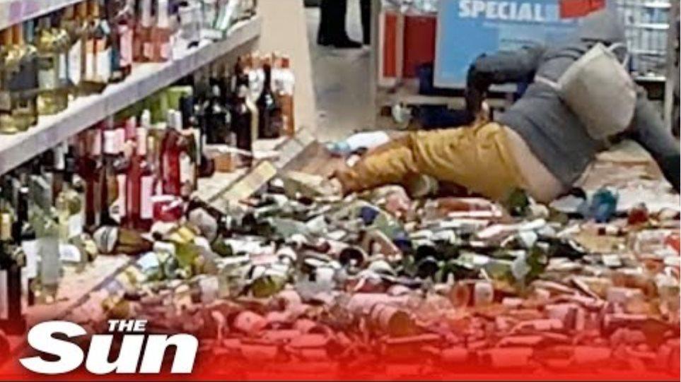Γυναίκα μπήκε σε σούπερ μάρκετ και έσπασε 500 φιάλες ποτών