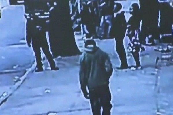Νέα Υόρκη: Έπεσε μέσα σε τρύπα με αρουραίους αλλά δεν φώναξε για να μην μπουν στο στόμα του