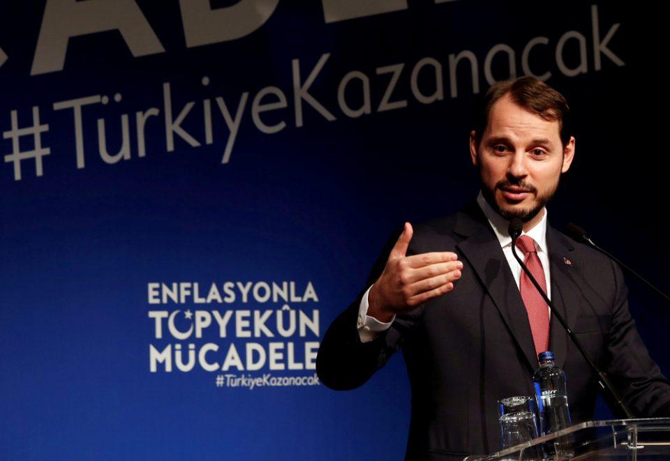 Χαμός στο παλάτι: O γαμπρός του Ερντογάν «έπαιξε ξύλο» με τον νέο κεντρικό τραπεζίτη