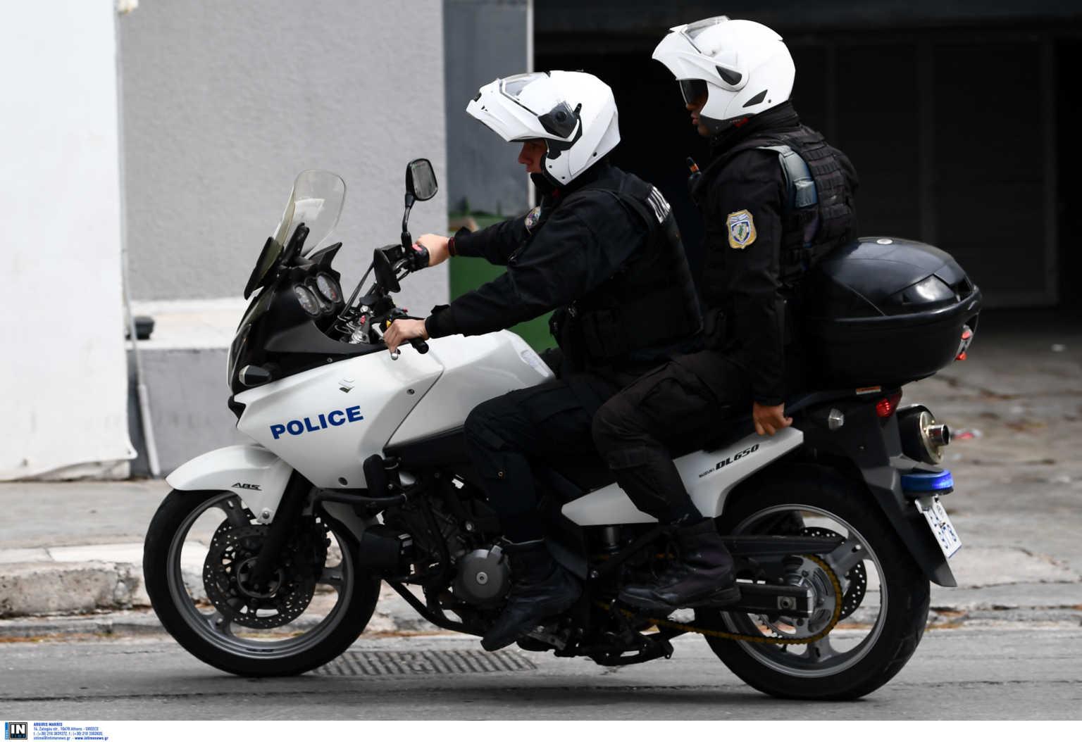 Θρίλερ με την σύλληψη τριών Τούρκων στο κέντρο της Αθήνας με πλαστές ταυτότητες