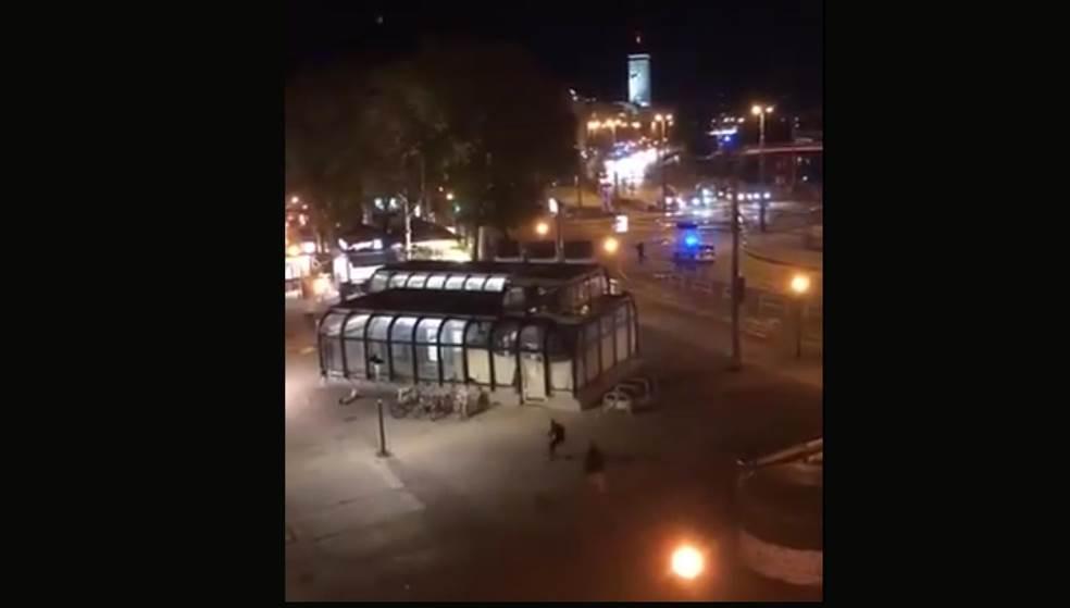 Θεσσαλονίκη: «Ντου» της ΕΛΑΣ για συγκέντρωση στον Λευκό Πύργο – Διαμαρτύρονται για το lockdown