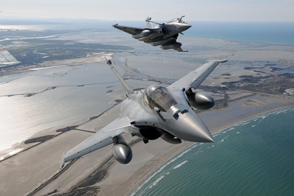 Πώς τα 12 ελληνικά Rafale F.3 θα μπορούν να καταρρίπτουν τα τουρκικά μαχητικά πριν βγουν στο Αιγαίο!