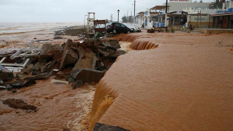 """Προειδοποιήσεις για νέες καταιγίδες στην """"λαβωμένη"""" Κρήτη"""