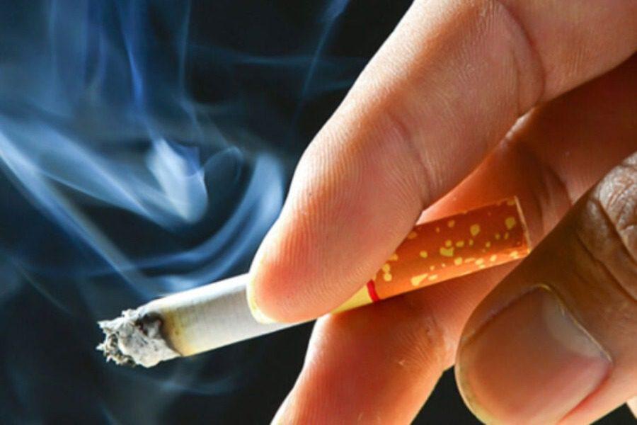 Ο καπνός του τσιγάρου κάνει τα κύτταρα πιο ευάλωτα στον κορονοϊό