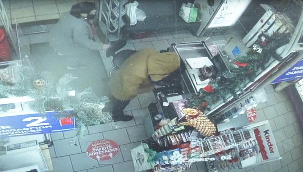 Συνελήφθη ο δράστης της ληστείας στα Χανιά, Καρέ – καρέ η δράση του