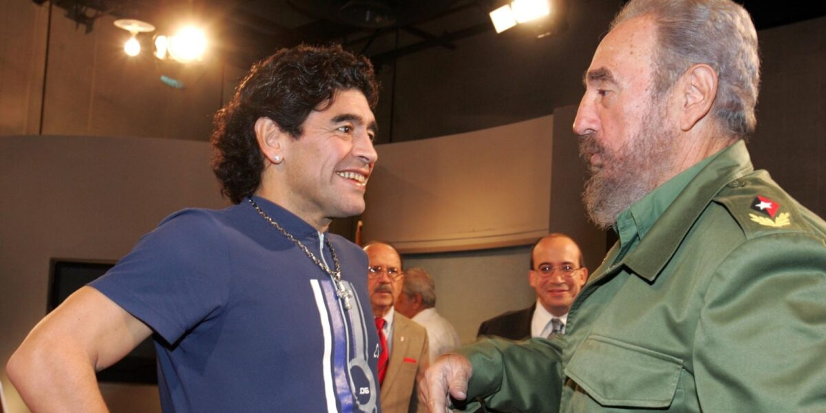 Περίεργα παιχνίδια της μοίρας: Ο Μαραντόνα πέθανε την ίδια μέρα με τον φίλο του Φιντέλ Κάστρο και τον Τζορτζ Μπεστ