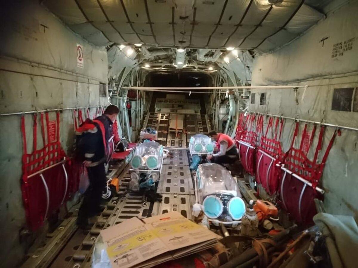 Μπαράζ αεροδιακομιδών ασθενών με κορονοϊό από κάθε γωνιά της χώρας – Συγκλονιστικές εικόνες