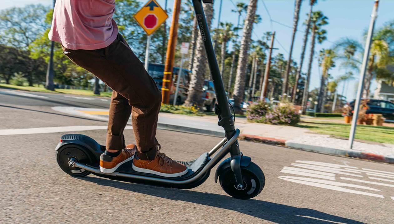 Ηλεκτρικά πατίνια και rollers: Πως θα κυκλοφορούν στις πόλεις