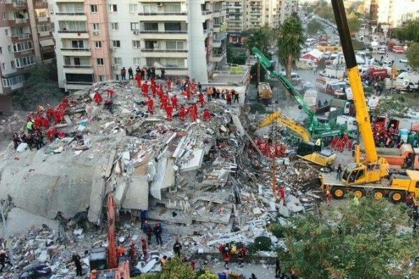 Σεισμός στη Σμύρνη: Στους 49 οι νεκροί